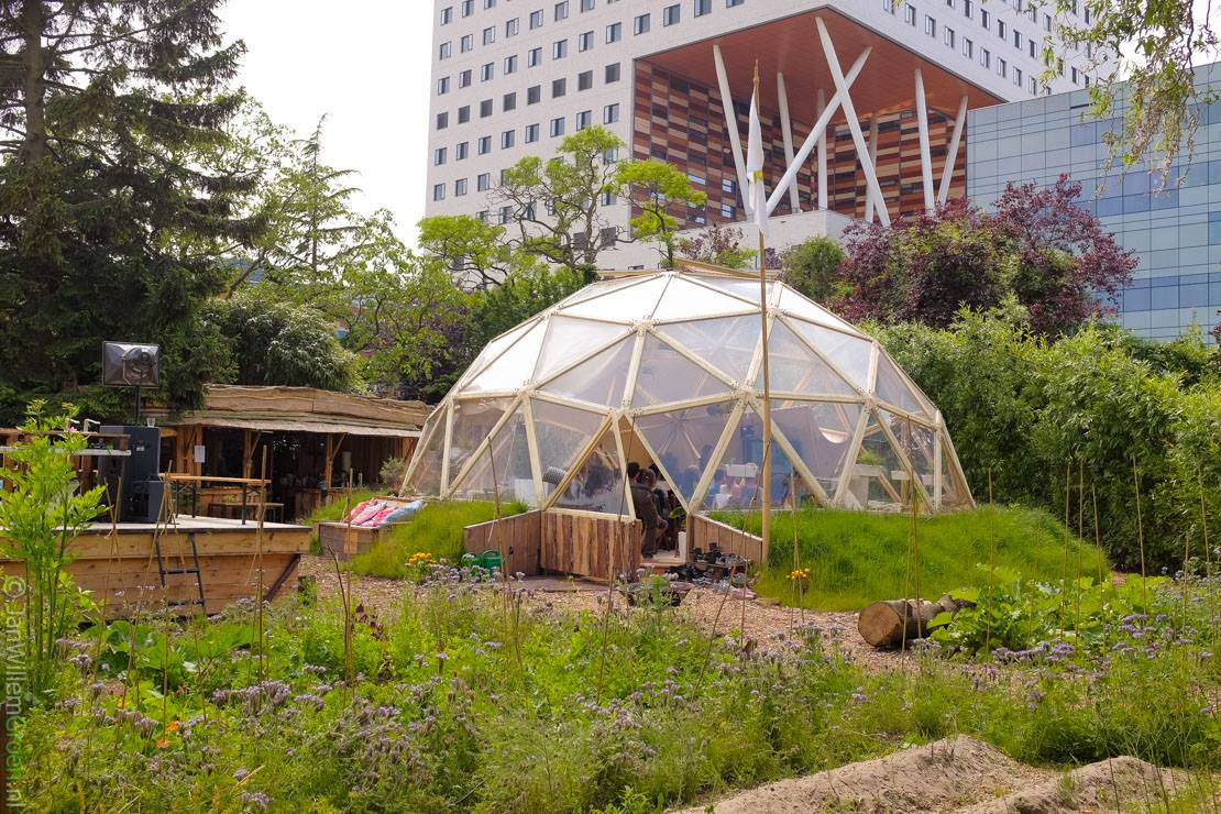 Green living lab geodesic dome designed and build by sober for Lab homes